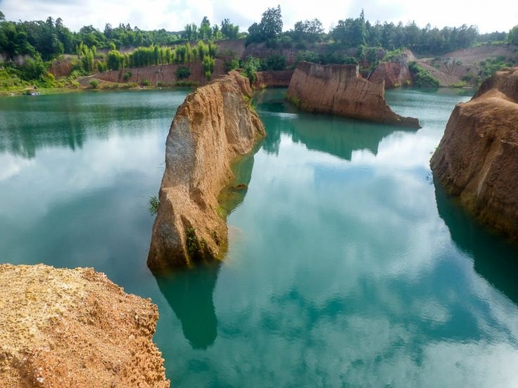 red mud quarry